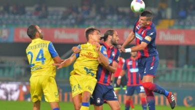 Photo of Il Chievo ribalta il Crotone, pari Empoli. Il punto sulla Serie B