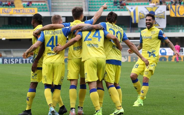 Photo of Benevento sempre più solo. Risale il Chievo, stasera Frosinone-Livorno