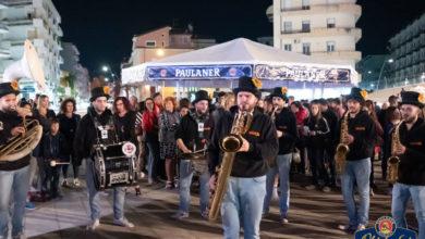 Photo of Anteprima Paulaner Oktoberfest Calabria: parata dei Tabakum Street Band a Cosenza