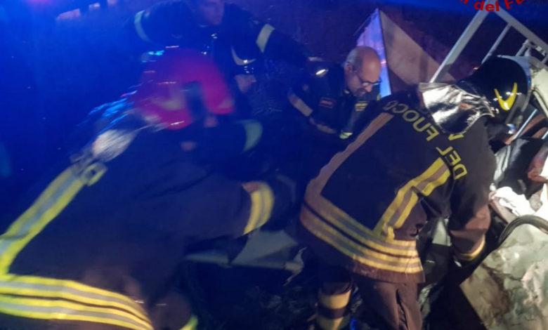 Luzzi, incidente tra due automezzi pesanti: intervengono i Vigili del Fuoco