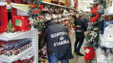 """Photo of Sequestrati a Cosenza oltre 300mila articoli natalizi """"pericolosi"""""""