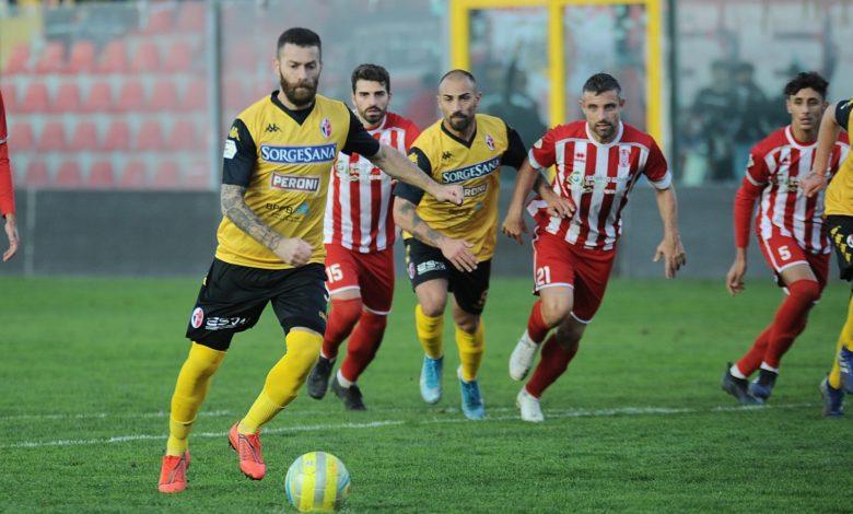 Photo of Rende, sconfitta che spalanca il baratro della Serie D. Sicula Leonzio ok