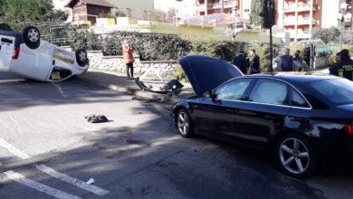 Photo of Incidente rocambolesco a Rende, solo feriti lievi: ecco le foto