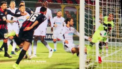 Photo of Cosenza-Crotone, altro caso Muntari. Derby a Stroppa, rabbia Braglia (0-1)