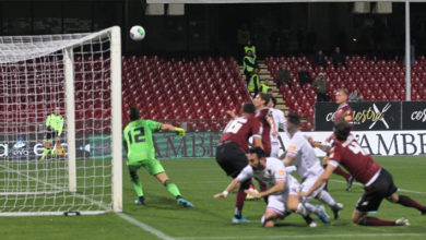 Photo of Cosenza, è notte fonda. Asencio illude, la Salernitana  rimonta (2-1)