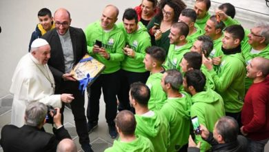Photo of Il Papa accoglie la squadra parrocchiale di Cetraro: emozioni in Vaticano