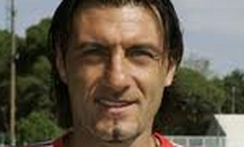 Photo of Sossio Aruta torna in campo a 49 anni. Lo ricordate a Cosenza?