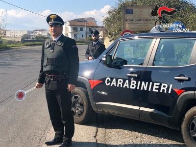 Rubano in casa e la incendiano: tre arresti a Roggiano Gravina