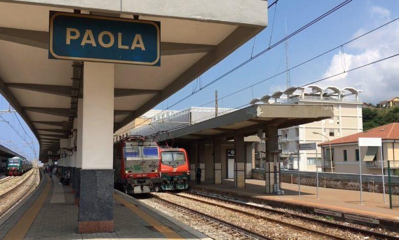 La stazione di Paola dove sceso il sospetto Covid