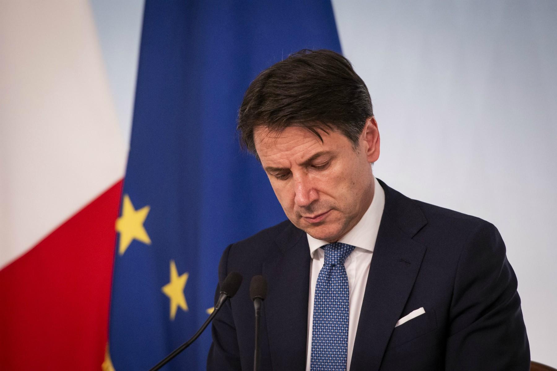 Coprifuoco in Italia alle 22 e lockdown locali e regionali: il nuovo DPCM