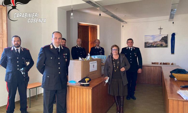 Diamante, i carabinieri donano pacchi alimentari: ecco a chi sono destinati