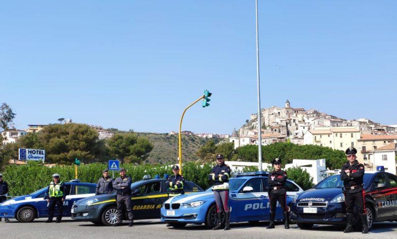 Oltre 40 le persone sanzionate dalle forze dell'ordine nel Tirreno cosentino