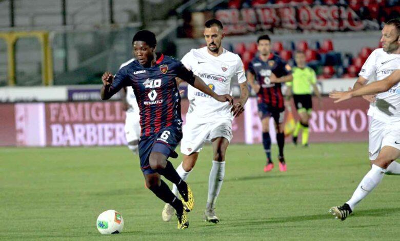 Broh durante la partita Cosenza-Trapani