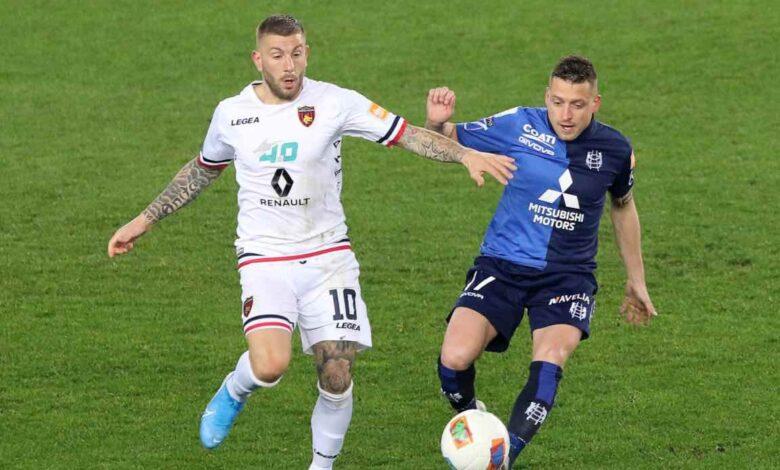 Carretta e giaccherini in Chievo-Cosenza, ultimo match di Serie B