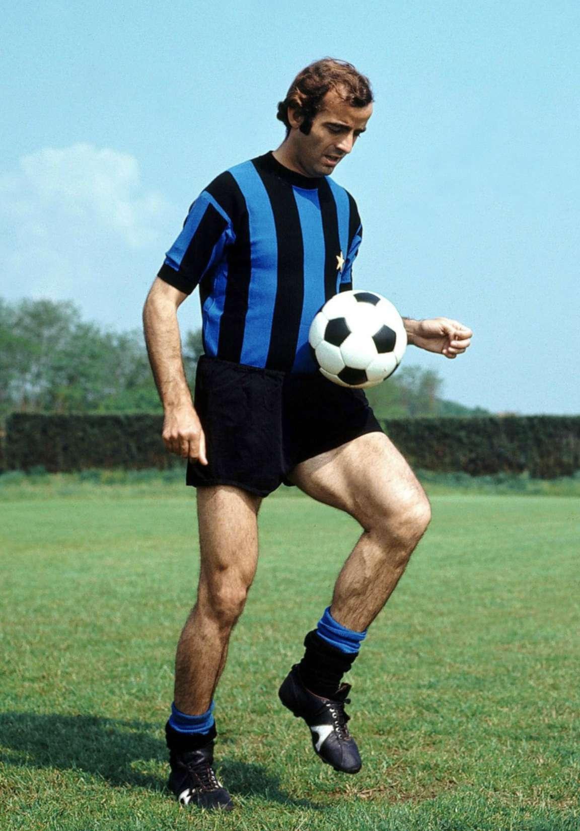 Lutto nel calcio, è morto Mario Corso: fuoriclasse dell'Inter di Herrera