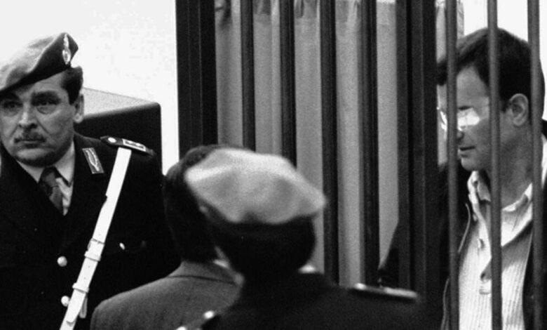 Il circo mediatico giustizialista sulla scarcerazione di Carminati