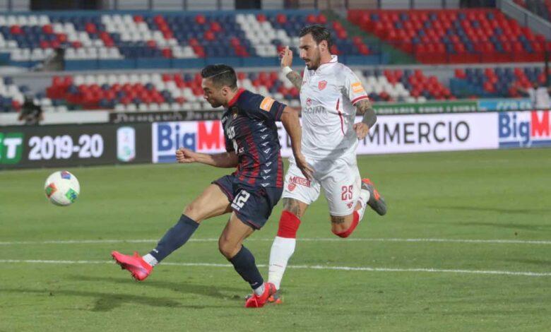 Baez in gol durante Cosenza-Perugia
