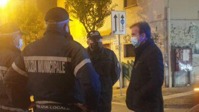 Photo of Cosenza, Occhiuto scende in strada: «Rispettate le norme anti-Covid»