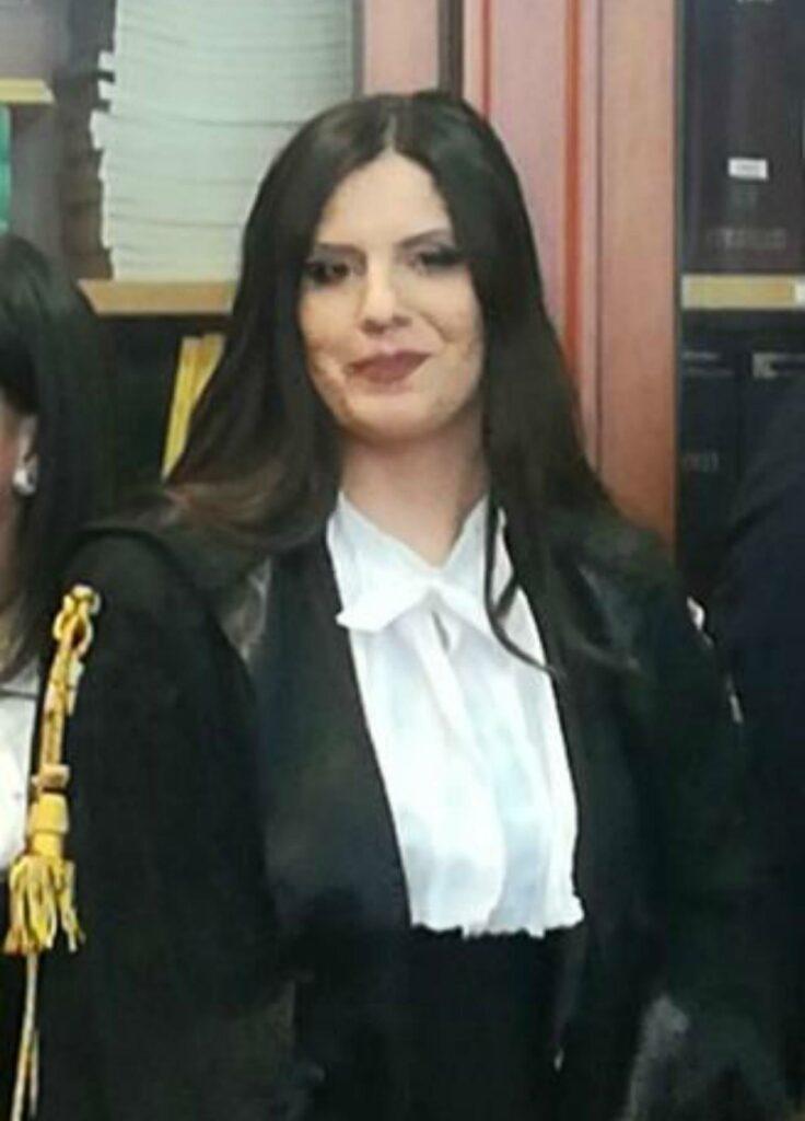 L'ex direttore sanitario del Distretto di Cosenza denuncia Cinzia Bettelini