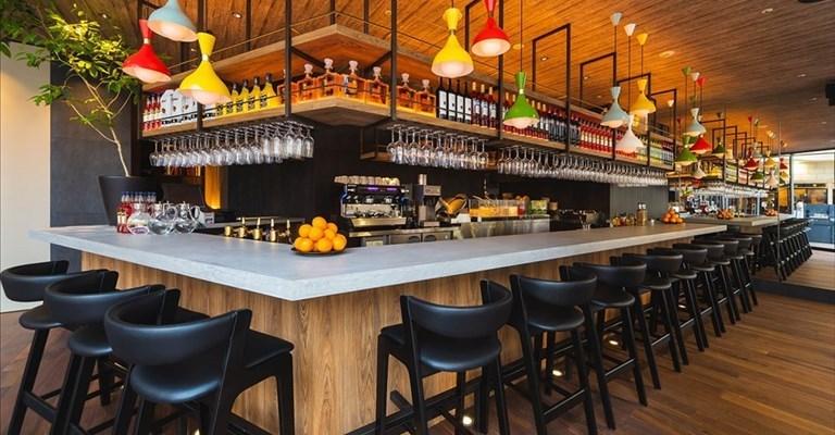 """Nuovo DPCM: asporto vietato dal bar dopo le 18. C'è anche la """"zona bianca"""""""