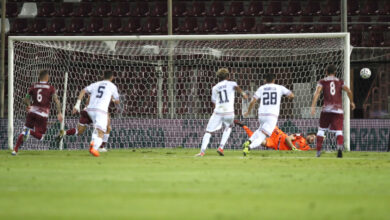 Photo of Reggina-Cosenza 0-0. Resiste il bunker rossoblù, Falcone stoppa Denis