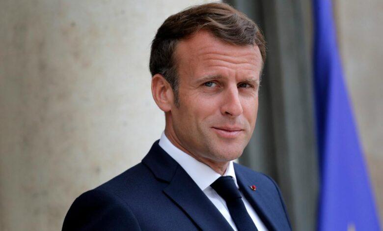 Francia travolta dal Covid, Macron vara il lockdown