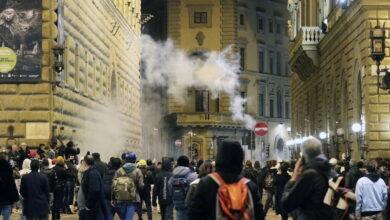 Photo of Manifestazione a Firenze contro il Dpcm: lanciate bombe molotov