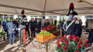 Photo of ADDIO ALLA SANTELLI | Picchetto d'onore dei consiglieri regionali
