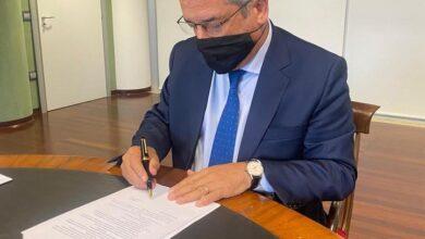 Manna firma l'ordinanza della chiusura delle scuole