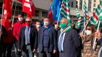 Cgil, Cisl, Uil Calabria: sit-in di protesta sulla Sanità davanti alla Cittadella