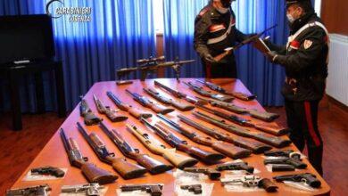 Furto in piazza Loreto, i carabinieri ritrovano i fucili. Ecco i dettagli