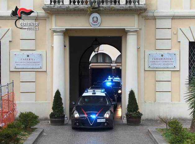 """Operazione """"Fly"""", droga ed estorsioni: 6 arresti tra Cosenza e Rende"""