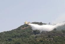 Incendio a San Basile, tornano a casa le tre famiglie evacuate: gli aggiornamenti